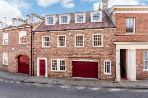 St. Andrewgate, York. 4 bedroom house for sale