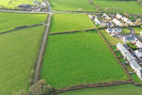 Bro'r Dderwen, Clynderwen. Land for sale