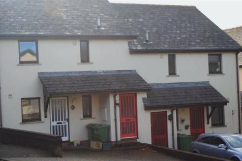 Clicketts Court, Tenby, Tenby, Pembrokeshire, SA70. 2 bedroom flat