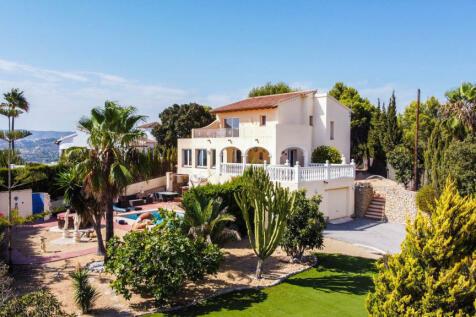 Valencia, Alicante, Moraira. 5 bedroom villa for sale