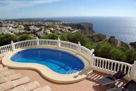 Valencia, Alicante, Benitatxell. 5 bedroom villa for sale