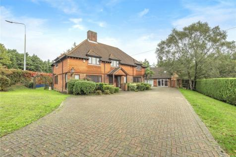 Bracken Place, Chilworth, Southampton, Hampshire, SO16 property