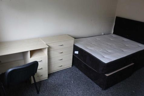 Eccles Old Road, Salford. 2 bedroom house share