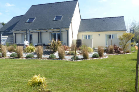 Brittany, Morbihan, Pleugriffet. 4 bedroom house for sale
