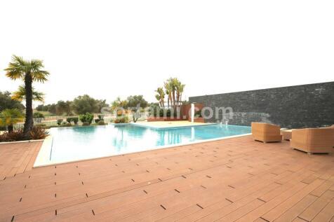 Algarve, Loulé. 4 bedroom terraced house for sale