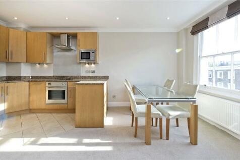 Earls Court Road, London, W8. 3 bedroom apartment