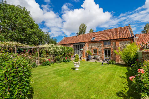 Roughton, Norwich. 4 bedroom barn conversion