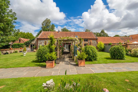 Roughton, Norwich. 4 bedroom barn conversion for sale