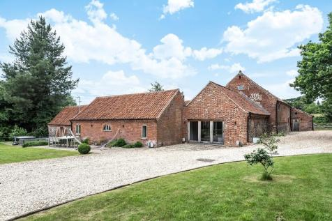 Great Snoring. 5 bedroom barn conversion for sale