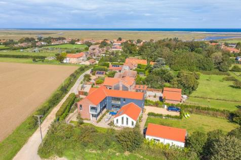 Burnham Overy Staithe. 6 bedroom detached house