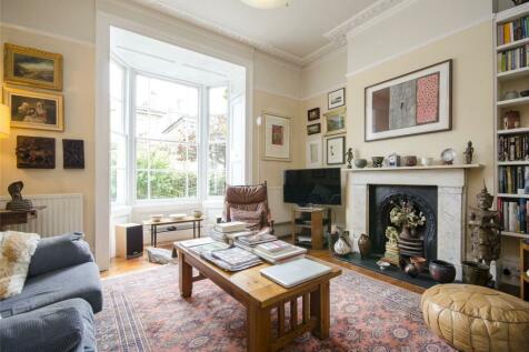 Lavender Grove, London, E8. 3 bedroom terraced house