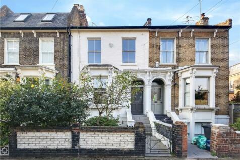 Penshurst Road, London, E9. 3 bedroom house