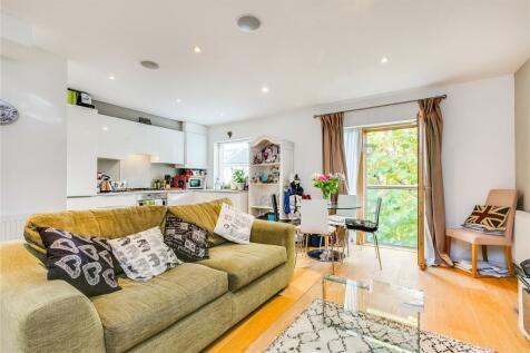 St John's Hill, London, SW11. 1 bedroom apartment