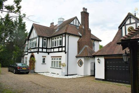 The Ridgeway, Cuffley, Hertfordshire. 5 bedroom detached house for sale