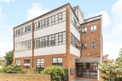 Cowleaze Road, Kingston Upon Thames. 2 bedroom apartment for sale