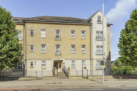 Kew Court, Richmond Road, Kingston Upon Thames. 2 bedroom flat