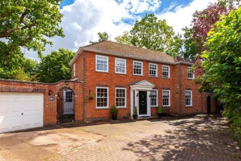 Oak Lodge Drive, Redhill, Surrey, RH1. 4 bedroom detached house for sale