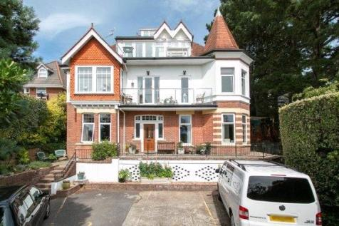 Powell Road, Lower Parkstone, Poole, Dorset, BH14. 3 bedroom apartment
