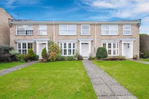Copeland Drive, Whitecliff, Poole, Dorset, BH14. 3 bedroom terraced house