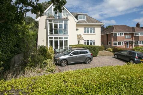 Springfield Road, Poole, Dorset, BH14. 2 bedroom apartment