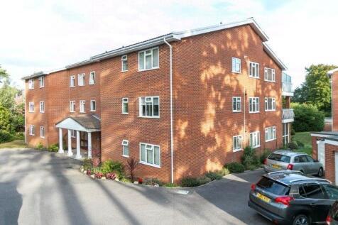 Overbury Road, Poole, Dorset, BH14. 3 bedroom apartment