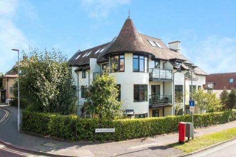 Wyndham Road, Lower Parkstone, Poole, Dorset, BH14. 3 bedroom apartment