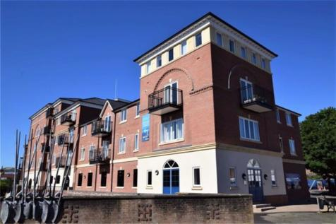 St. Peters Street, Worcester. 3 bedroom apartment