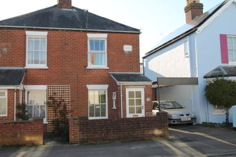 Westfield Road, Lymington, Hampshire, SO41. 2 bedroom semi-detached house