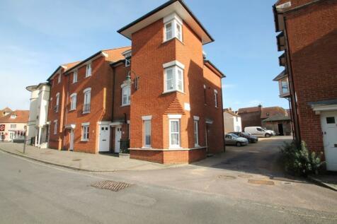Belmore Lane, Lymington, Hampshire, SO41. 1 bedroom ground floor flat