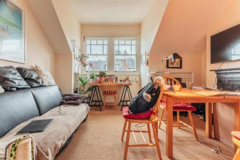 Hillfield Avenue, Crouch End. 1 bedroom flat