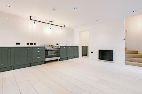 Fonthill Mews, Finsbury Park. 1 bedroom flat