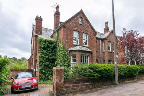 Highbury Road, Hitchin, SG4. 6 bedroom detached house