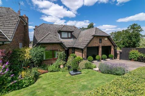 Standhill Close, Hitchin, SG4. 4 bedroom detached house
