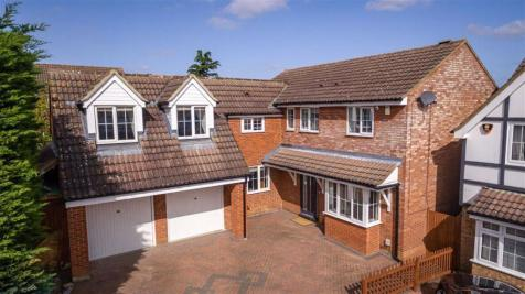 Gibson Close, Hitchin, SG4. 5 bedroom detached house