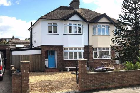 Cambridge Road, Hitchin, SG4. 4 bedroom semi-detached house