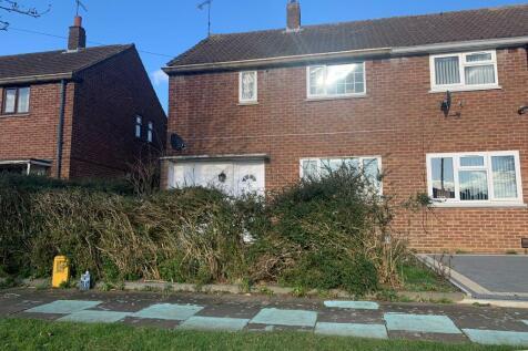 Waterslade Green, Luton, Beds, LU3 2ER. 3 bedroom end of terrace house