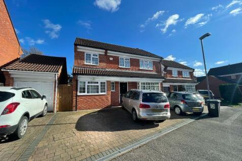 Hanworth Close, Warden Hills, Luton, LU2 7ED. 5 bedroom detached house