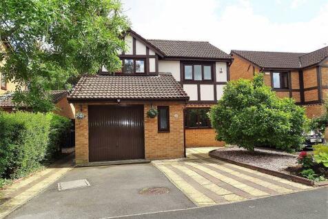 Ridge Way, Penwortham, Preston. 4 bedroom detached house