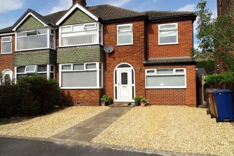 Whitefield Road, Penwortham, Preston.. 4 bedroom semi-detached house