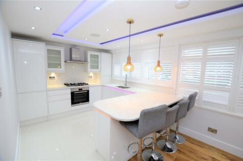 Upper Tulse Hill, London, SW2. 1 bedroom apartment