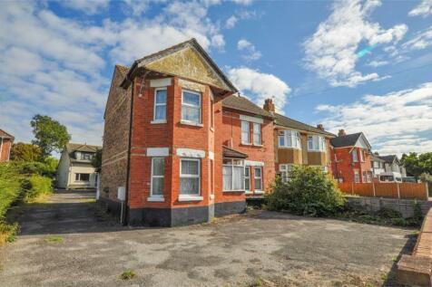 Wallisdown Road, BOURNEMOUTH, Dorset. 4 bedroom detached house