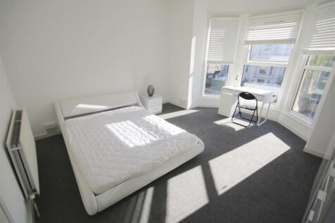 Victoria Road North Southsea. 1 bedroom flat