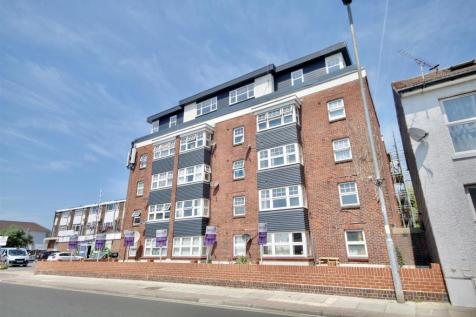 Highland Road, Southsea. 2 bedroom flat
