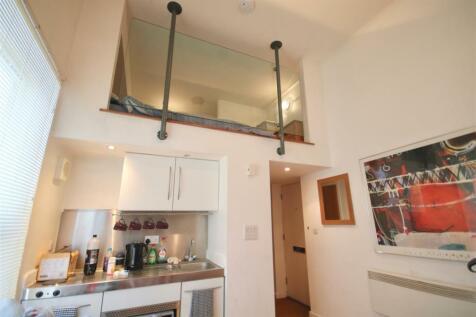 Brecon House, Gunwharf Quays, Portsmouth. Studio flat