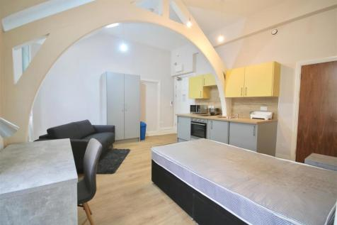Prudential Buildings, Guildhall Walk Portsmouth. Studio flat