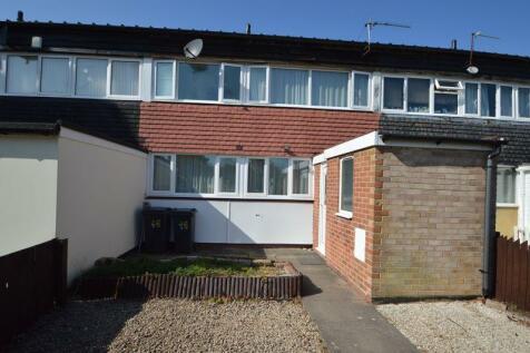19 Larkhill Walk, Druids Heath, Birmingham B14 5PR. 3 bedroom town house