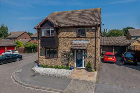 Holly Farm Close, Caddington, Luton, Bedfordshire. 4 bedroom detached house