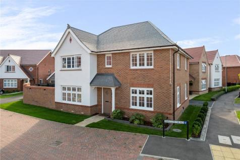 Swallow Mead, Caddington, Luton. 4 bedroom detached house for sale