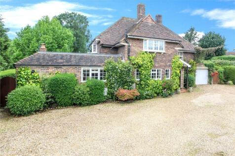 Amenbury Lane, Harpenden, Hertfordshire. 3 bedroom detached house for sale