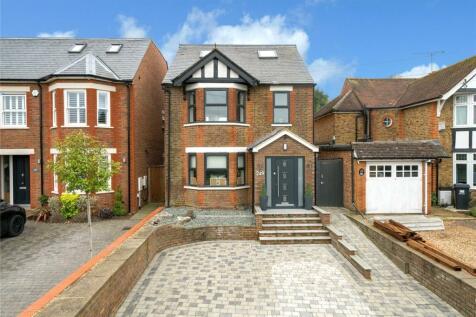 Luton Road, Harpenden, Hertfordshire. 5 bedroom detached house for sale